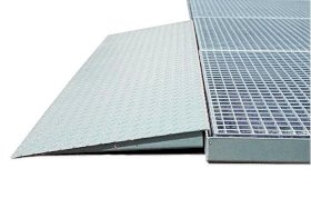 "Steel Spill Decking Ramp - 5"" Depth - 6'-w280px"