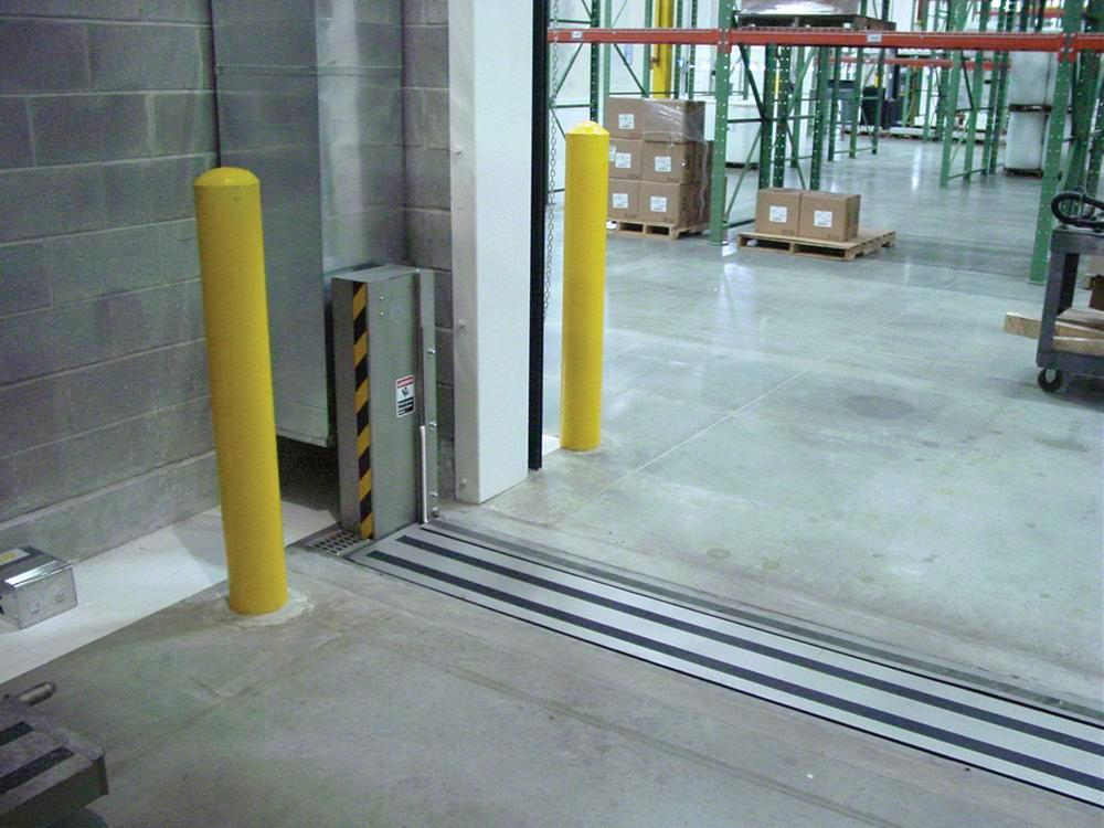 Automatic Doorway Flood Barrier 10' x 24""