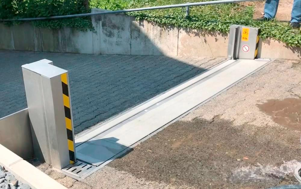 """Automatic Passive Flood Barrier - FM Approved - Operates Automatically - Stainless Steel - 10' x 18"""""""